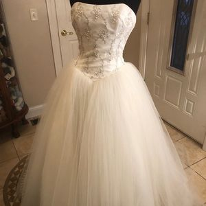 Paloma Blanca wedding ball gown dress size 6